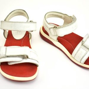 "GUCCI White, Leather & ""GG"" Logo Flat Sandals"